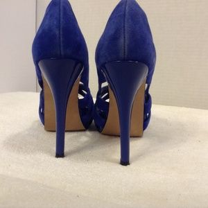 Steve Madden Shoes - STEVE MADDEN BLUE SUEDE PEEP TOE WITH CUTOUTS